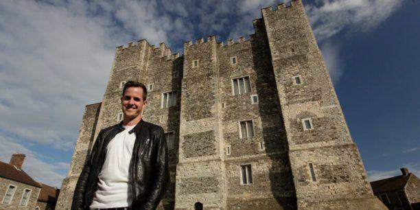 Secrets-of-Great-British-Castles-Netflix-810x405